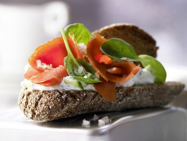 Weight Watchers Salmon Sandwiches with Cucumber and Spinach recipe
