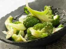 Weight Watchers Steamed Broccoli with Sesame Seeds, Honey and Soy Sauce recipe