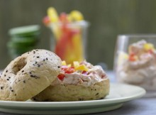Weight Watchers Bagels with Cream Cheese and Peppers recipe